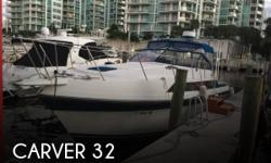 Actual Location: Aventura, FL - Stock #099494 - Excellent live aboard!For sale is a gorgeous 1987 Carver 32 Express Cruiser. Beautiful, super clean and updated boat Carver 32.Powered with twin 454 engines with low hours. This boat would make an excellent