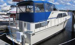 Just in time for summer! Don't miss out on this Beautiful 1987 Chris Craft 381 Catalina,Take a close look at these pictures and see for your self,this has been well cared for its whole life. These Catalina's were well known in the 80's for there wide 14'