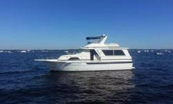 1987 Chris-Craft 501 Constellation located in Jacksonville, FL.  501 CHRIS-CRAFT 1987 HUGE AND ROOMY--6V92'S DETROIT DIESELS -1300 HRS--5 CENTRAL A/C HEAT UNITS--3 STATEROOMS--3 BATHS -LIVING ROOM IS HUGE WITH DOORS TO COCKPIT--SPIRAL STAIRCASE TO