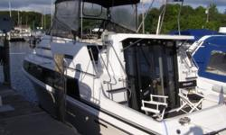 Great family boat,sleeps 6,full galley with stove,full size fridge,runs excellent,approx 625 hours on engines.MUST SEE!Call Nick 908-307-8363. Category: Powerboats Water Capacity:  Type: Motoryacht Holding Tank Details:  Manufacturer: Carver Holding Tank