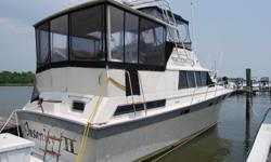 1988 Silverton 40FT Aft Cabin powered by twin Crusader 454 350HP engines with only 838 hours! Turn key and ready for the new owner. Boat is in excellent condition -Generator-7.5 kw kohler fresh water cooled -A/C- 2 zone with reversable heat -Canvas- full