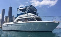 1988 Chris-craft 292 Catalina Sb Sedan 30 ft 11 ft beam. twin 305 crusaders. .Motor s always been maintained and serviced every year. Boat is in great condition and runs great and strong. Has Flybridge controls with custom installed Arch with full canopy