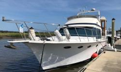 Wayward wind is a Marine Trader Sundeck that is brand new to the market. This popular model has a hard top over the Sundeck, and direct access to the bridge, or salon through the full size companionway door. Wayward wind has a lower helm with a sliding