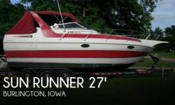 Actual Location: Burlington, IA - Stock #080600 - If you are in the market for a cruiser, look no further than this 1988 Sun Runner 272 Ultra Cruiser, just reduced to $17,500 (offers encouraged).This boat is located in Burlington, Iowa and is in good