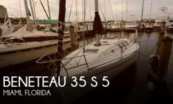 Actual Location: Miami, FL - Stock #112354 - If you are in the market for a sloop sailboat, look no further than this 1989 Beneteau 35, priced right at $44,500 (offers encouraged).This vessel is located in Miami, Florida and is in good condition. She is
