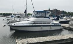 One of Carvers biggest success's. The Santego model is very well known for having more interior room than any other manufacture of its size. This is the perfect boat for a family wanting to get into big lake boating. Features include, Radar, Chart