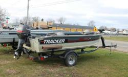 1989 Tracker Pro Deep V16 with a Tohatsu 40ELPT engine and a Trailstar Trailer 1989 Tracker Pro Deep V16 with a Tohatsu 40ELPT engine and a Trailstar Trailer. This Deep V also has 3 fold down seats, rod holders, a 74# MinnKota Troller, and a stainless