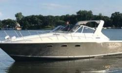 1982 Trojan Yacht 10 Meter MDL 333-338 This Trojan - 10 Meter Express is one of the CLEANEST and MOST UPDATED you will find. Below is a list of all Upgrades that have taken place over the last 8-Years. Make an offer...! Get on the lake this Weekend and