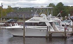 ! ! ! HUGE PRICE REDUCTION ! ! !NOW $34,900 or BEST OFFER! (was $44,900)  34 Luhrs 342 Sportfisherman 1990 looks and runs like new! This beautiful and classic Luhrs 342 Sportfisherman Flybridge is in immaculate