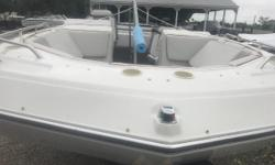 1990 Four Winns 18' Deck Boat powered by a OMC Cobra 4.3L motor. This boat is in great condition, with a real nice interior. The OMC 4.3L motor has had all the proper maintenance, and runs really well. Also comes with a snap down cover that is travel