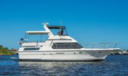"""""""Waterscape"""" is a clean ready to go 40 Hatteras Motor Yacht that is in above averagecondition. Her highlights include a full beam master stateroom, well-appointed salon, large aft deck and a surprisingamount of interior space. Nominal"""