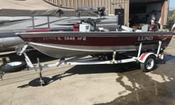 16' LUND FURY RED 40 ELPT JOHNSON COLOR MACHED E-Z LOADER TRAILER HELIX 5 SONAR 3 SEATS VERY CLEAN BOAT M&M MARINE Savanna Il Please call or email with any question! Beam: 6 ft. 1 in. Hull color: RED