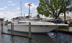 (ORIGINAL OWNER) LIGHT USAGE AND BOASTING A COMPLETELY REFIT INTERIOR, THIS 1990 SEA RAY 420 / 440 SUNDANCER IS UNLIKE ANY OTHER -- PLEASE SEE FULL SPECS FOR COMPLETE LISTING DETAILS. Freshwater / Great Lakes boat since new this vessel features Twin