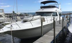 (CURRENT OWNER OF 25-YEARS) 1990 SEA RAY 500 SEDAN BRIDGE -- PLEASE SEE FULL SPECS FOR COMPLETE LISTING DETAILS. Freshwater / Great Lakes boat since new this vessel features Twin Detroit Diesel 6V92 550-hp Diesel Engine's with 2100 hours.  Notable