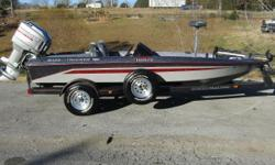 A great fiberglass bass fishing boat from Tracker. This 1990 Tracker 1800 comes equipped with a Humminbird fish finder/chart plotter, a Minn Kota Edge trolling motor, and powered by a Mariner 150hp outboard. Nominal Length: 18'