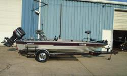 1991 Champion 184, STK# 38 GRAY/BLUE/RED PINS POWERED BY EVINRUDE 150 GLEUCHUMMINBIRD WIDE VISION @ CONSOLE & BOW, MOTORGUIDE DIGITAL 71 LBS/24V, 3 BANK CHARGER, HOT FOOT. Nominal Length: 18' Stock number: 38