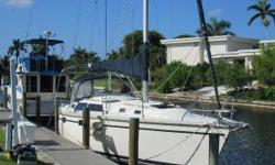 """Sweetheart is ready to move on Today. Live in Air Conditioned Comfort in this Clean, Roomy, and Wonderful Layout Hunter. Marine Air Conditioning/Heating Beautiful NEW Salon Cushions 6'4"""" Headroom Yanmar 3GM30 27 hp Diesel. Runs Great!! Xantress 2500"""