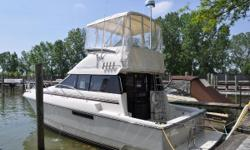 GREAT OPPORTUNITY ON THIS 1991 SILVERTON 34 CONVERTIBLE -- PLEASE SEE FULL SPECS FOR COMPLETE LISTING DETAILS. LOW INTEREST EXTENDED TERM FINANCING AVAILABLE -- CALL OR EMAIL OUR SALES OFFICE FOR DETAILS. Freshwater / Great Lakes boat since new this
