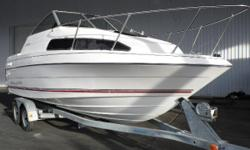 Bayliner Classic 2252, 4.3 V6 190 HP. Trailer included. Service records available. Hin: USDA98CMC292 Hull color: White