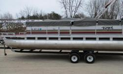 Just in on trade!! 1992 Kayot 240 Skipper with a 2001 40hp Evinrude 2st on a tandem bunk trailer. Ready to cruise and have fun, great starter pontoon!!Stop in or contact us for more information on this model or on any of our in stock new or used models.