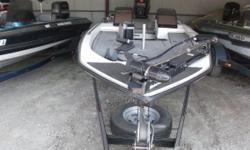 1992 Skeeter 200 DX powered by a Johnson 200 HP motor Really nice looking boat, that has been well taken care of. Nominal Length: 20' Length Overall: 20' Beam: 7 ft. 0 in.