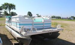 GREAT FIXER UPPER! Engine(s): Fuel Type: Gas Engine Type: Outboard Quantity: 1