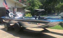 2001 Tracker Marine TX17 2001 Tracker Marine TX17 model in great condition 17 feet in overall length Silver metallic with Decals plus a Grey interior Equipped with a Single 90hp Mercury motor Currently with low hours on it! Few Highlights include.- -
