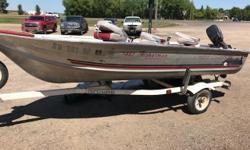 1994 Northwood 1467 Fisherman Tiller1993 Evinrude E15RLETD 1994 Spartan single axle roller trailercover3 fishing seats 3 rod holders Engine(s): Fuel Type: Gas Engine Type: Outboard Quantity: 1 Beam: 5 ft. 7 in.