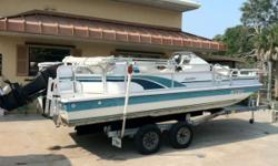 Fun Deck Located in Nokomis, FL.Call Dave at 888-721-9413 or email Sales@UsedBoatWarehouse.com for more information.With 120 HP Force motor, trolling motor, bimini top, live well, rod holders, cockpit table, ski storage, snap-in carpet, L-shaped seating,