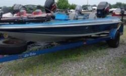 INCLUDES MOTOR GUIDE 12/24 VOLT BRUTE 50 LB THRUST 750 TROLLING MOTOR, HUMMINBIRD HELIX 7 ON THE BOW, HUMMINBIRD HELIX 7 ON THE DASH, AND A SPARE TIRE!!!! Nominal Length: 18' Length Overall: 18' Beam: 7 ft. 1 in.