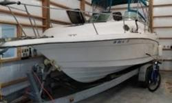 1995 Rinker Fiesta Vee 265-EC 1995 Rinker Fiesta Vee 265-EC Bay boat in great condition 28 feet in overall length Sleeps 5 comfortably within as well! White fiberglass hull Equipped with a brand new 115hp 350 Chevrolet Crate motor Currently with 500 hours