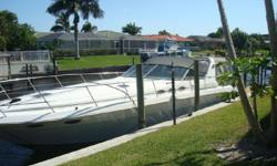 (LOCATION: Fort Myers FL) The Sea Ray 400 Express is a full-bodied family cruiser with spacious interior and huge cockpit.The 400 Express is a design that works as well today as it did when introduced over twenty years ago. There is more than