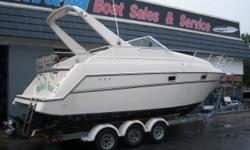 This 1996 Maxum 2700 SCR is powered by a 454 Mercruiser with a Bravo 3 outdrive. New lower unit in 2009. Features include: Air conditioning, dual batteries, dockside power, hot water heater, enclosed head with shower, Am Fm stereo, VHF radio, trim tabs,