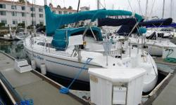 The Catalina 42 MKII is a very popular boat. It updated the original Catalina 42 hull with a new cabin top, interior and rig, providing more comfortable space and improved performance. This boat was bought new by its current owner, and has spent its