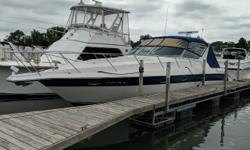 this 402 diesel-powered Regal has always been a freshwater boat! It has been very well-cared for by a knowledgeable owner, and its original soft goods are in amazing shape. This Regal Commodore 402 will turn heads wherever she goes. With a HUGE cockpit,