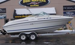 SOLD 1996 SeaRay 215 Express 1996 SEARAY 215 EXPRESS WIT MERCRUSIER V8, 5.7, 270HP ENGINE WITH THUNDERBOLT IGNITION! Beam: 8 ft. 6 in. Stock number: USED1324
