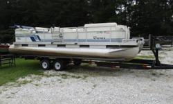 1997 HARRIS 240 SUPER SUNLINER..MERCRUISER 135HP I/O...RUNS GREAT, UPDATED FURNITURE AND TOP... Nominal Length: 24' Length Overall: 24' Beam: 8 ft. 0 in.