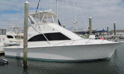 1998 40 Ocean Yacht CAT 3126CATDiesels Sleek styling, innovative interior and excellent performance are just a few of the features which has kept the model as a top seller for Ocean Yachts! The well appointed two-stateroom, galley-up