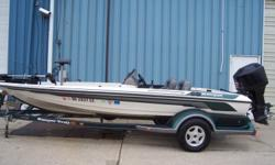 1998 Ranger 461V, STK# U61 WHITE/GREEN POWERED BY MERCURY 150 OPTIMAX, LOWRANCE HDS8 CONSOLE, MOTORGUIDE 70 LBS/24V, HAMBY, 3 BANK CHARGER. Nominal Length: 18' Stock number: U61