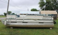 Just in on consignment. 1998 StarCraft  200 Classic Pontoon with a Mercury 60 ELPTO engine. No trailer with this pontoon. Seats and Cover in poor condition but carpet is good. 2 Tables and a Ladder are included.  Title is clear and with the