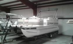 1998 SYLVAN ELITE 20 ELITE 2F YOUR PRICE INCLUDES: 98 JOHNSON 50TSLEC 06 SINGLE AXLE TRAILER FRONT ANCHORS HUMMINBIRD 200 DX Nominal Length: 20' Length Overall: 20' Engine(s): Fuel Type: Other Engine Type: Outboard Beam: 8 ft. 0 in. Stock number: 60379A