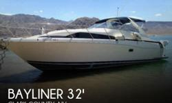 Actual Location: Boulder City, NV - Stock #093343 - Beautiful Avanti Cruiser! This boat has everything including twin 7.4 MPI Mercruisers!The Bayliner 3255 Avanti Sunbridge is fantastic family express cruiser with a well laid out cockpit, room interior