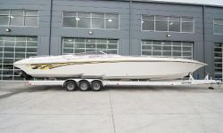 1999 FOUNTAIN 47 Lightning, Triple 500HP (455 hours on meter, motors are not factory sealed hours unknown - just serviced: sea water pumps, batteries, carb kits, plugs, compression test, oil change, drive service, cap & rotor), Bravo I drives, hydraulic