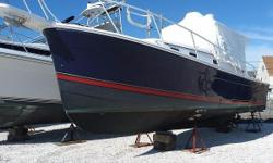 Mainship got it right with the 30 Pilot, a Downeast-style cruiser whose practical layout and affordable price catapulted her into the ranks of classic small-boat designs. Built on a solid fiberglass,semi-displacement hull with a prop-protecting