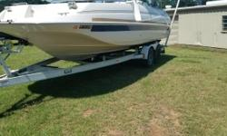Blowout Sale! Boat is priced below NADA book value! Looking for a large deck boat to enjoy the lake with? The Monterey 230 Explorer is the perfect boat for you. Great for a big family with lots of room and storage. Comes with the tandem trailer as well.