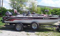 1999 Ranger 207 Cherokee, STK# 49 POWERED BY EVINRUDE 115, HUMMINBIRD HELIX 5 CONSOLE, MINNKOTA TERROVA IPILOT, COVER, BIKE SEAT, 2 FOLD DOWN SEATS. Nominal Length: 17' Stock number: 49