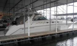 REDUCED PRICE 1999 Sea Ray 500DA This is a loaded 500DA that has spent most of it's life in Fresh Water Undercover on the TN River. It has about 660 hours on Caterpillar 3196TA V-Drives and has about 1410 hours on the Westerbeke 11KW Generator. It is