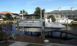 2005 Starcraft 2410 Aurora For Sale by Power Yachts International - Florida Exterior Color: White - Interior color: White - Yamaha 225hp Four Stroke - Single Outboard -Listing originally posted at