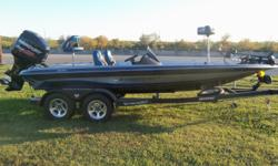 LIKE NEW PHOENIX 819 PRO HI QUALITY PERFORMANCE BASS BOAT . WITH 2016 MERCURY 200SX ENGINE, HOT FOOT JACK PLATE,MINN KOTA I PILOT TROLLING MOTOR ,2 LOWRANCE HDS 9 FISH FINDERS,BASS SEATS, FACTORY TOW ABLE BOAT COVER , CUSTOM TANDEM TRAILER WITH ALLOY