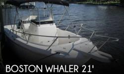 Actual Location: Sarasota, FL - Stock #096931 - If you are in the market for a fishing, look no further than this 2000 Boston Whaler 21 Outrage, priced right at $22,500 (offers encouraged).This boat is located in Sarasota, Florida and is in good